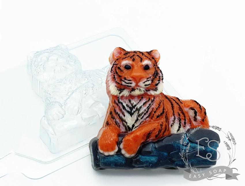 """Форма пластиковая для мыла """"Тигр лежит на камнях"""""""