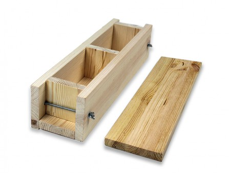 Деревянная форма для мыла на 2 кг из сосны с крышкой